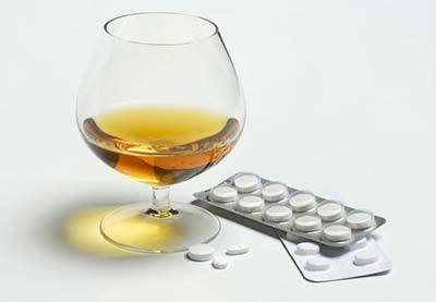 Колдрекс и алкоголь: взаимодействие препарата и его составляющих со  спиртным, возможные побочные эффекты
