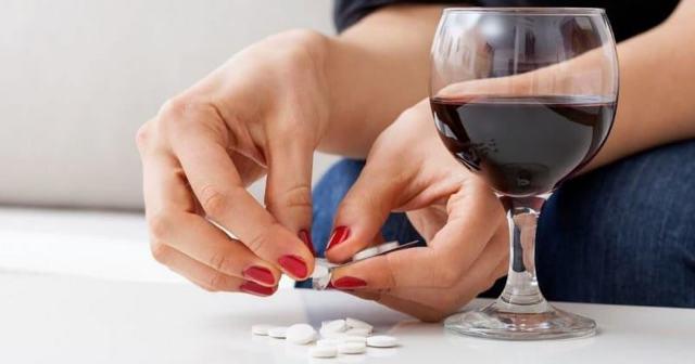 Обезболивающие, анальгетик и алкоголь: совместимость, последствия, через сколько можно пить